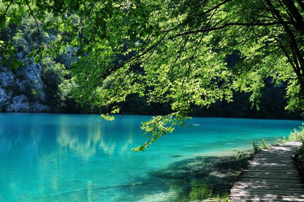 plitvickie jeziora to ciekawe miejsca w chorwacji