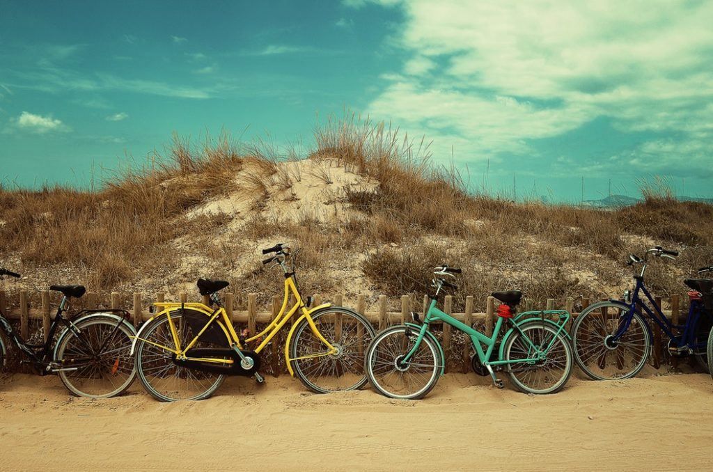 rowery nad morzem, szlaki rowerowe w polsce na plaży