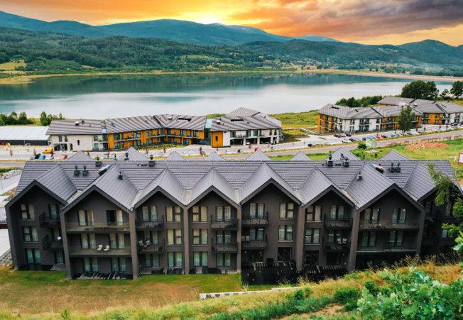 Lake Hill Apartments