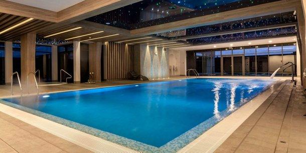 Hotel Ren Oferta podstawowa Nowocześnie urządzony hotel z basenem i własnym browarem w centrum