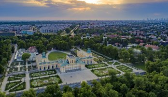 Hotel Wilanów by DeSilva
